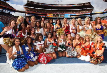 HONOLULU, HI - FEBRUARY 08: Cheerleaders pose for a photo after the 2009 NFL Pro Bowl between the AFC All-Stars and the NFC All-Stars at Aloha Stadium on February 8, 2009 in Honolulu, Hawaii. The NFC defeated the AFC 30-21. (Photo by Paul Spinelli/Getty Images)